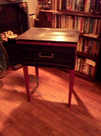 Sewing table w/o sewing machine - $15 (West Tulsa)