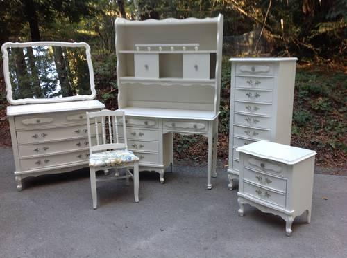 Shabby Chic French Provincial Bedroom Set For Sale In San