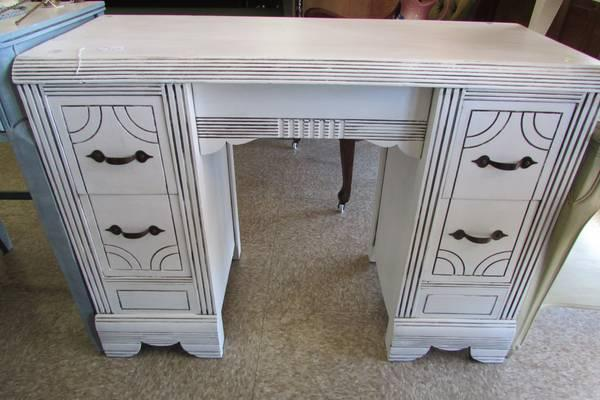 Shabby Chic Vintage Vanity/Desk