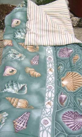 Shell Pattern Comforter Set Full Size - $25