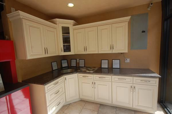 Showroom Display Kitchen Cabinets For Sale In Brooklyn