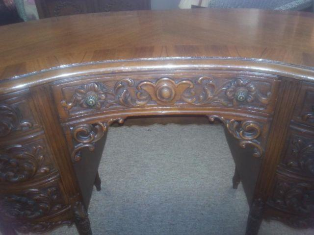 Showstopper rare antique carved kidney shaped writing for Kidney desk for sale