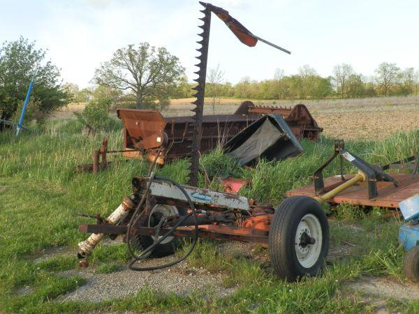 Sickle Bar Mower Pull Type - $700 (Durand)