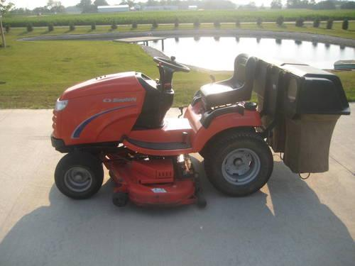 Simplicity Conquest Garden Tractor with snowblower and