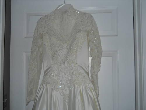 Size 8 Wedding Gown ...Ivory Satin w/ beading/lace