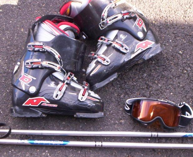 Ski`s Boots and Poles with Goggles