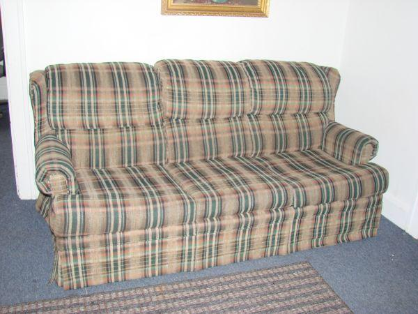 SLEEPER SOFA & LOVE SEAT - $225 (TOLEDO)