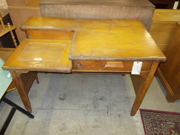 Small 2 Tier Desk - for Sale in Greenwich, Pennsylvania Classified   AmericanListed.com