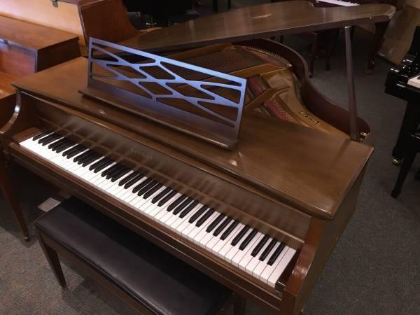 Small baby grand piano for sale in tacoma washington for Smallest baby grand piano dimensions