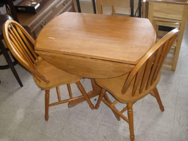 Small cherry drop leaf kitchen table w 2 chairs for for Small kitchen table and chairs for sale