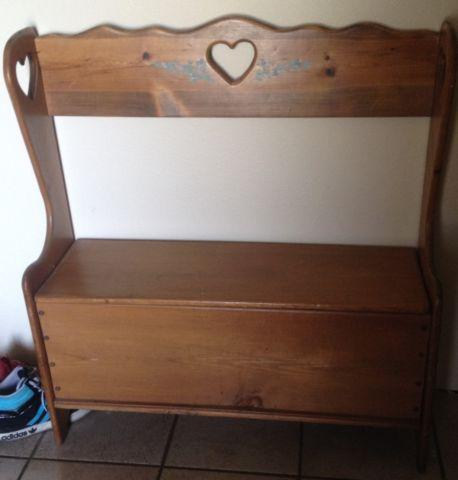 small storage bench for sale in amber washington classified. Black Bedroom Furniture Sets. Home Design Ideas