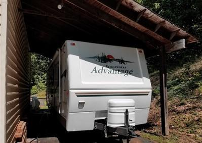 SOE 2004 Fleetwood Wilderness Advantage $1500