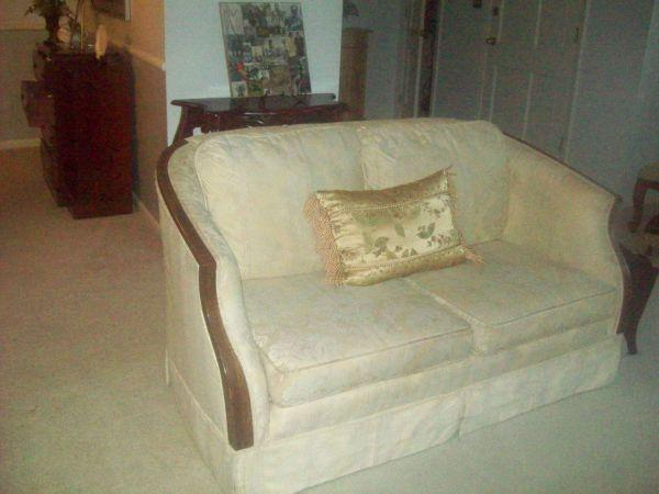 Sofa & Loveseat Chattanooga for Sale in Chattanooga