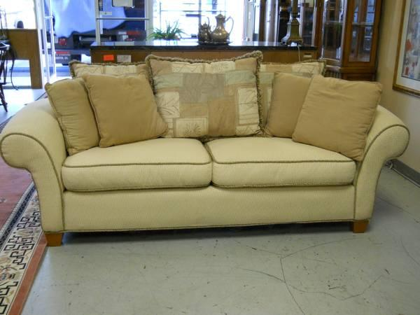 Sofa Made By Kroehler Furniture for Sale in Pensacola