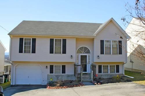 sold month with mountain views ne roanoke rent to