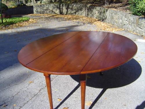 Solid Mahogany English Drop Leaf Dining Table