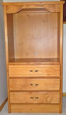 Solid Oak 3 Drawer Armoire With Tv Enclosure Like New Amp A