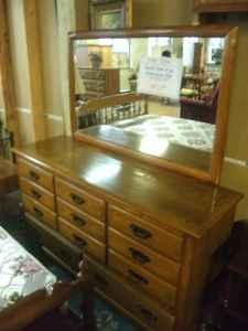 Solid Oak 4 pc Bedroom Set (FRB) - $495 (Kutztown, PA)