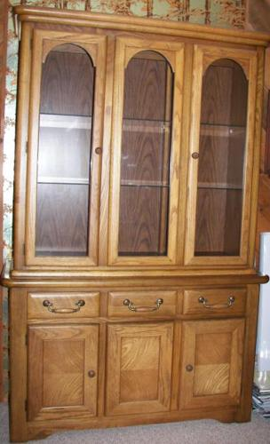 Solid Oak China Cabinet for Sale in Gervais, Oregon Classified ...