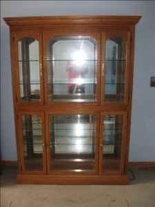 Solid Oak China-Curio Cabinet - $400 (Lafayette,IN)