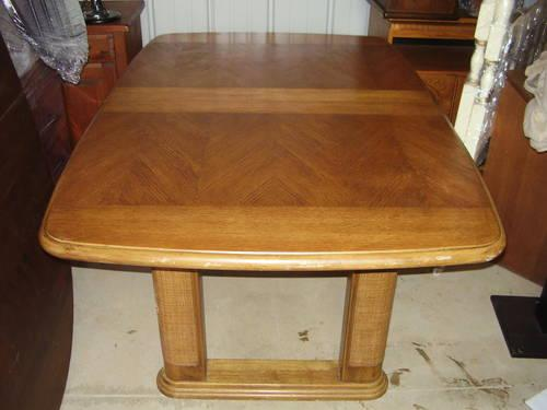 SOLID OAK Dining Room Table Free Delivery For Sale In