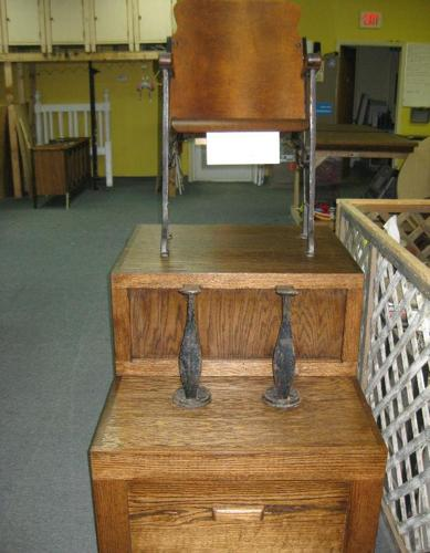 Solid Oak Hardwood Shoe Shine Stand W Cast Iron Foot