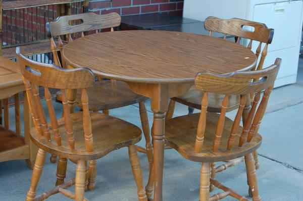 solid oak round dining table w 4 chairs for sale in piedmont south