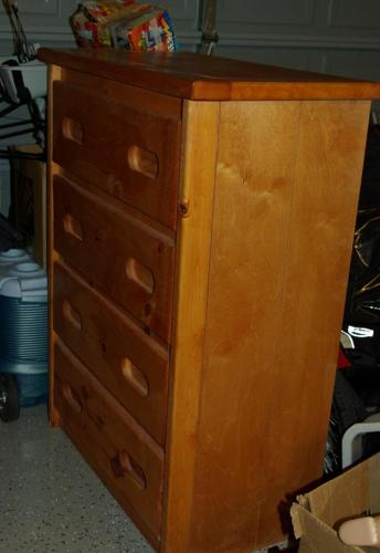 Solid Pine Wood Dresser 4 Drawer NICE - $90 (S Castle