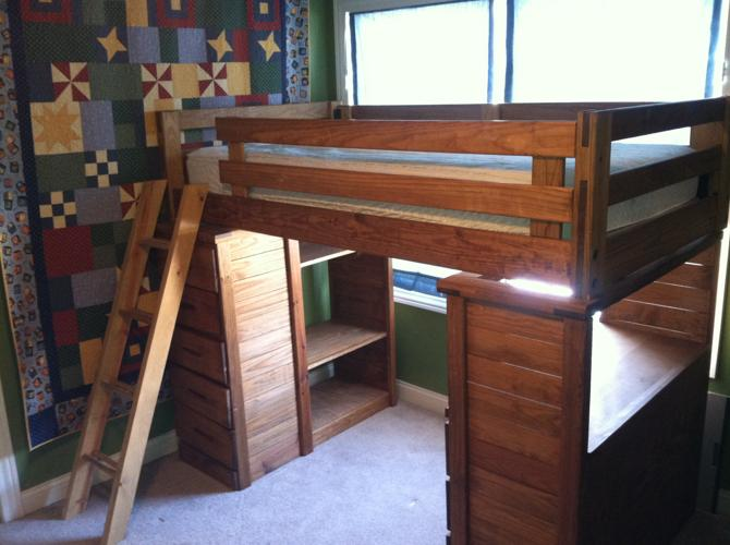 Wood Bunk Beds with Desk and Drawers 669 x 500