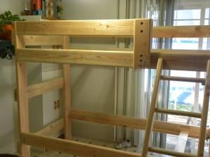 SOLID WOOD BUNK BEDS/TWIN BEDS/LOFT BEDS!!! - $190