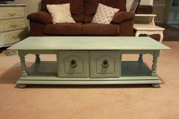 Solid wood coffee table painted for sale in fort smith for Affordable furniture jonesboro arkansas