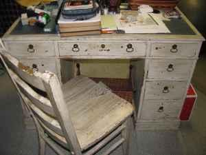 solid wood secretary desk and chair antiqued distressed      rh   louisville ky americanlisted com