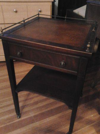 Solid Wood,Vintage,Mahogany,Rolling End Table,Leather