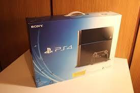 Sony PlayStation 4 500GB Console 2 controller 5 free