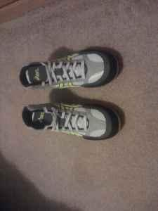 Split Second VI SilverYellowBlack Wrestling Shoes Size 10 - $40 Grand BlancFlintBurton