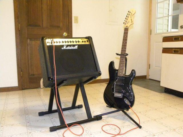 Squire Stratocaster + Marshall MG Series 30DFX