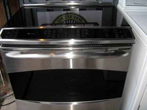 SS GE Electric Induction Range Like New