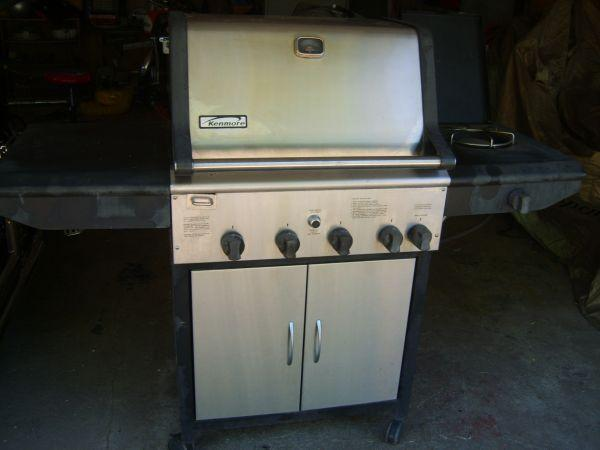 Stainless Kenmore LP Grill - $175 (Commerce City)