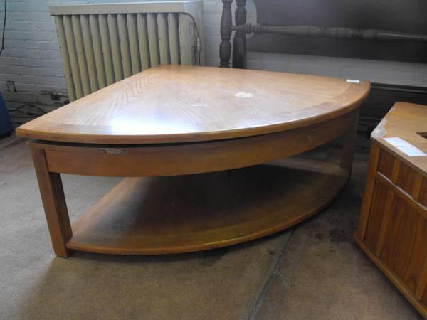 Statement 39 s other yard sale expanding coffee table for for Other uses for a coffee table