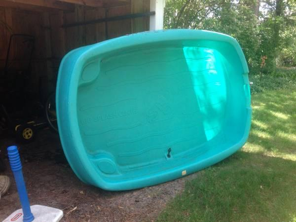 Step 2 Big Splash Pool For Sale In Norton Shores Michigan Classified