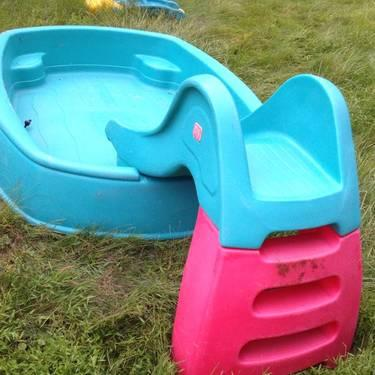 Step 2 Big Splash Pool Center For Sale In Shrub Oak New