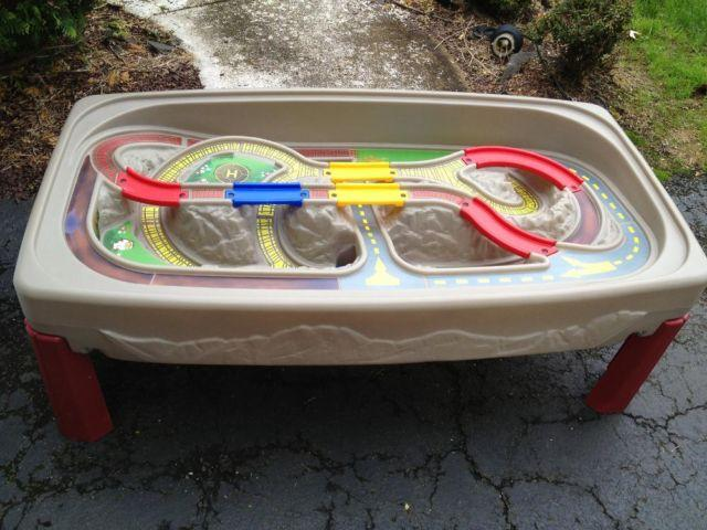 Step 2 Deluxe Canyon Road Car Train And Track Table For