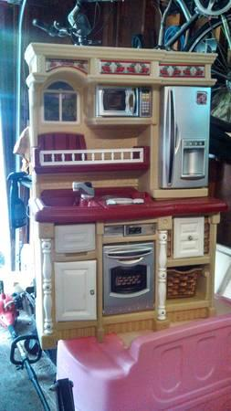 Step 2 kids Kitchen - $40
