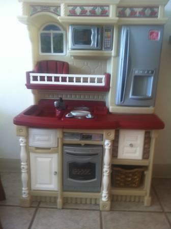 Step2 LifeStyle Custom Kitchen For Sale In Key West Florida
