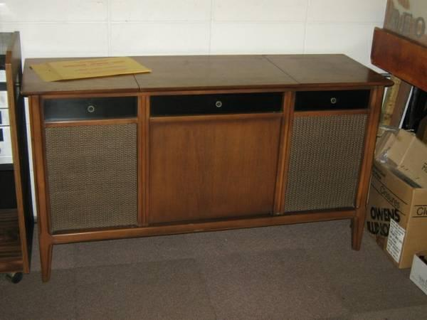 Stereo Console Cabinet, Solid Wood, Works! Great
