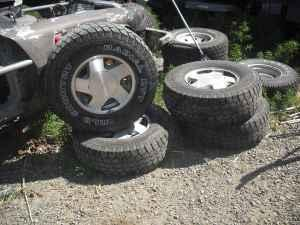Stock Tires Wheels 95 Chevrolet Silverado - $150 (eastselah)