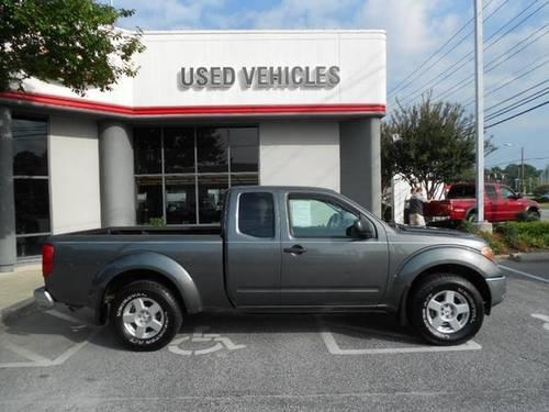 storm gray 2007 nissan frontier king cab se v6 4wd low miles carfax we for sale in greensboro. Black Bedroom Furniture Sets. Home Design Ideas