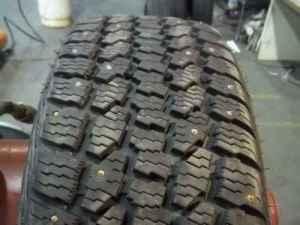 studded snow tires 215 65r17 dean wintercat xt bellingham for sale in bellingham washington. Black Bedroom Furniture Sets. Home Design Ideas