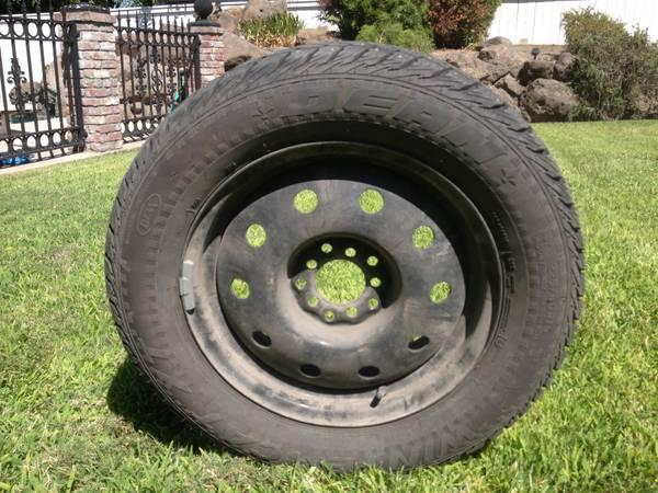 studded snow tires w wheels 225 60 r16 for sale in susanville california classified. Black Bedroom Furniture Sets. Home Design Ideas