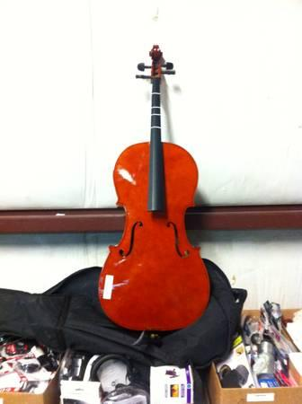 Student Cello w soft cover case,